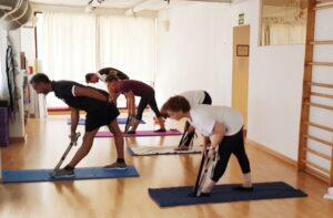 Pilates con cinta o toalla